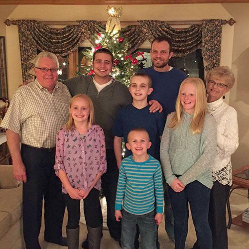 realtor-gail-jim-kapellen-grandkids-christmas-2015-pleasant-view-realty-plymouth-wi