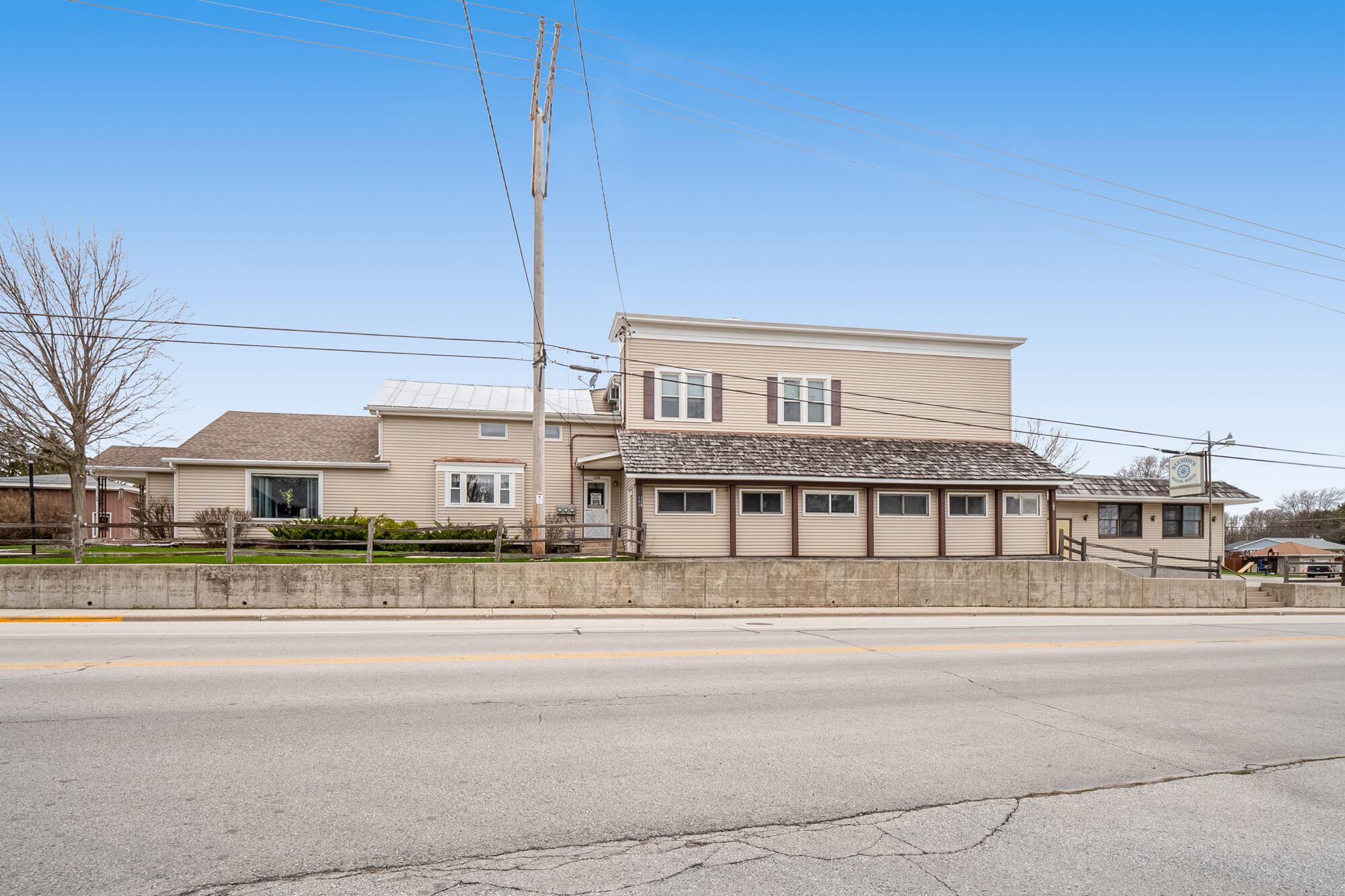 Howards Grove Commercial For Sale   120 S Wisconsin Dr   Pleasant View Realty