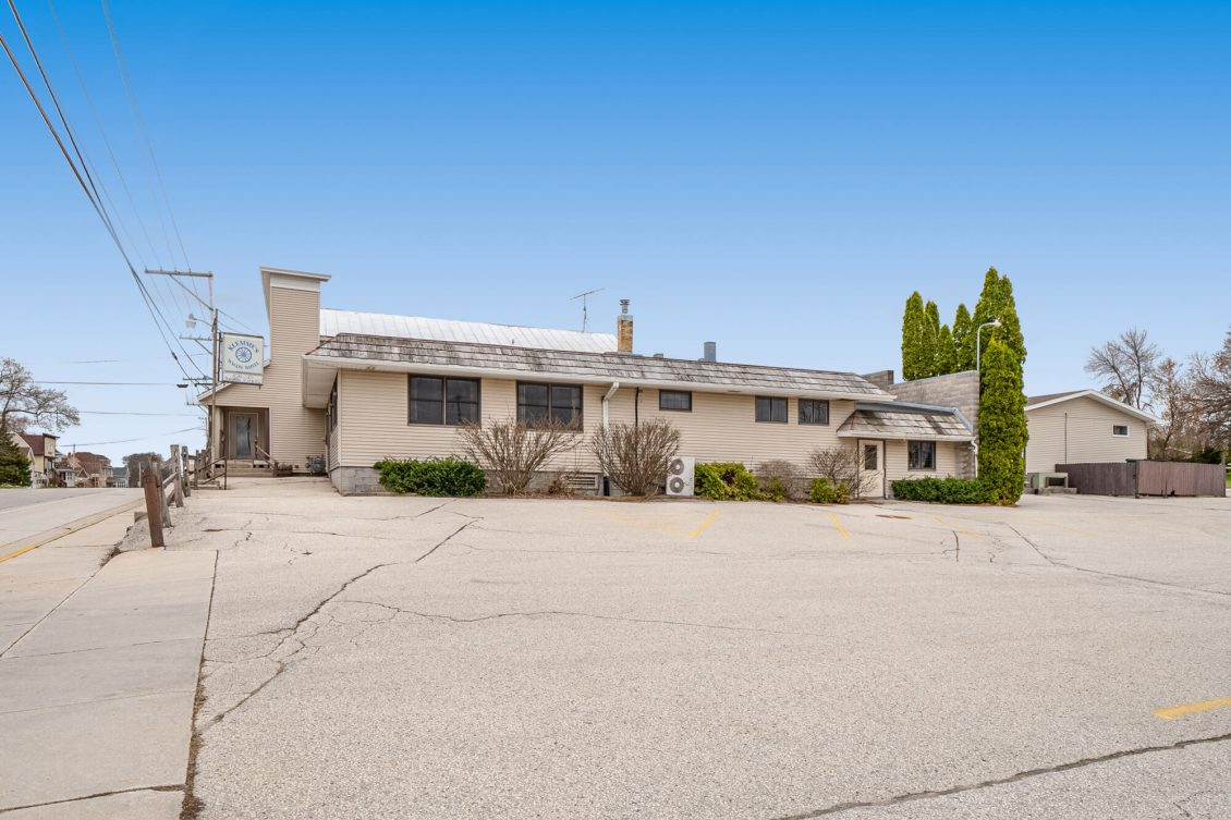 Howards Grove Commercial Property 120 S Wisconsin Drive (3)